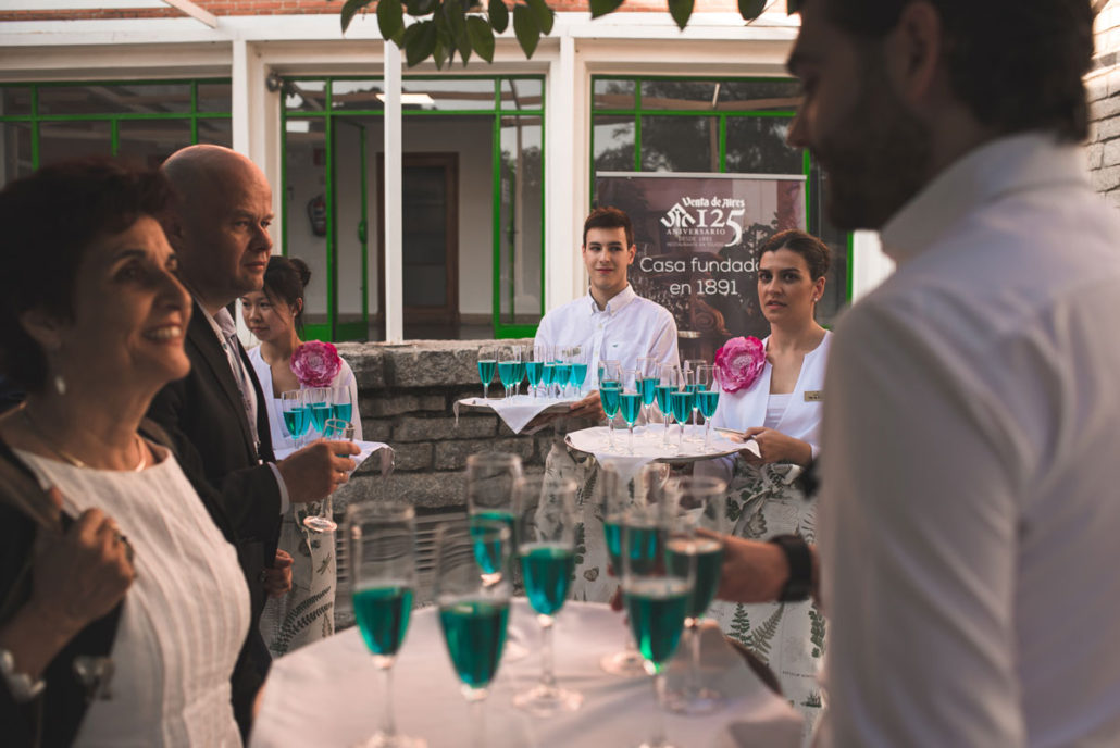 Catering al aire libre en el exterior del Instituto Eduardo Torroja