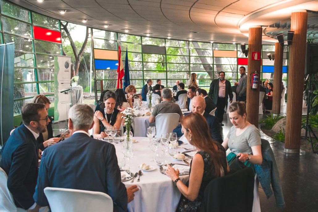 Comensales en la cena del CSIC en el Instituto Eduardo Torroja
