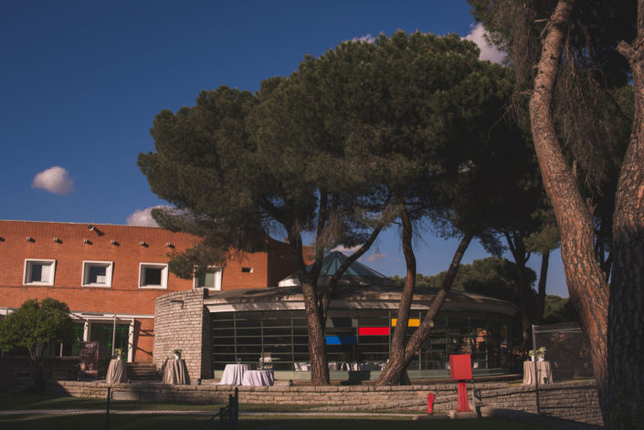 Catering en el exterior del Instituto Eduardo Torroja