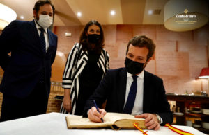 Pablo casado viene a Toledo a probar el Cocido de Venta de Aires